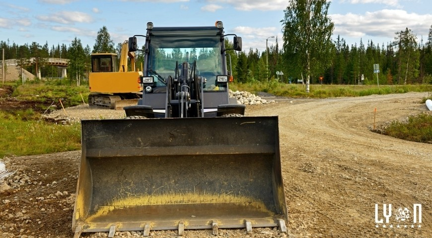 How To Keep Heavy Equipment Running Strong Throughout The Summer